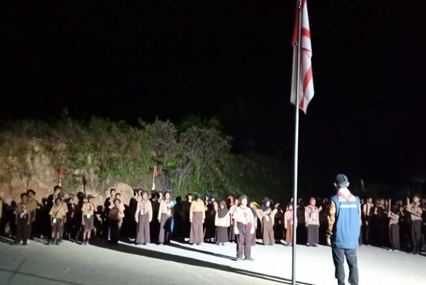 KKN UNS. Kegiatan kuliah kerja nyata (KKN) mahasiswa Universitas Sebelas Maret di sekolah anak-anak TKI di Sabah, Malaysia.