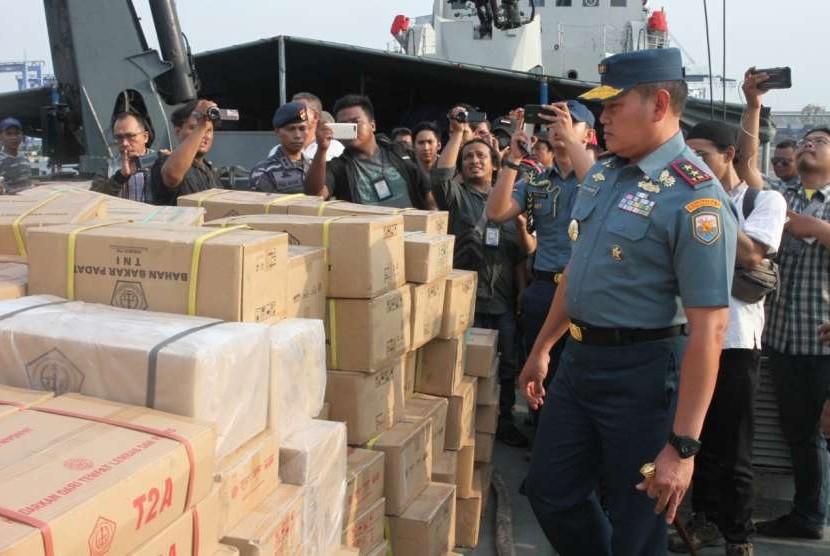 Koarmada I mengirimkan berbagai jenis bantuan untuk meringankan beban para korban terdampak gempa dan tsunami di Palu-Donggala, Sulawesi Tengah (Sulteng).