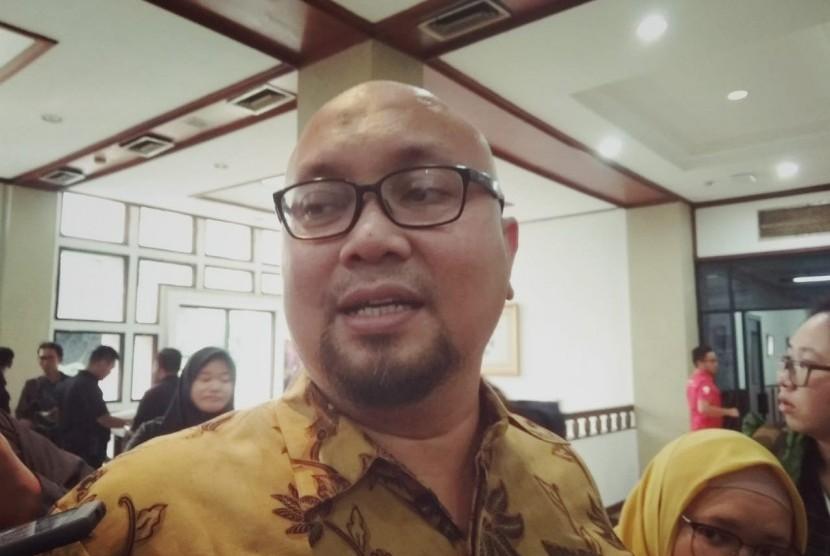 Komisioner KPU Ilham Saputra menegaskan, tidak ada perpanjangan masa pendaftaran caleg untuk Pemilu 2019. Sebanyak 15 parpol peserta pemilu dipastikan akan mendaftarkan calegnya di hari terakhir, Selasa (17/7).