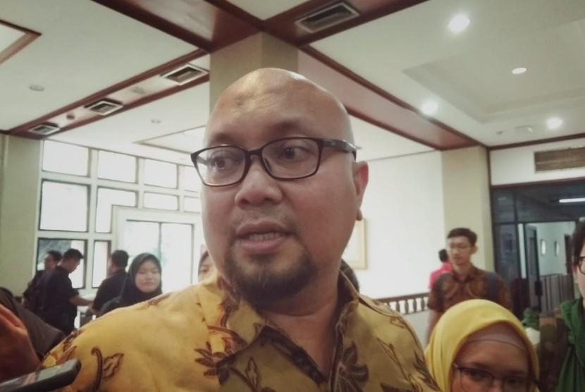 Komisioner KPU, Ilham Saputra, menegaskan tidak ada perpanjangan masa pendaftaran caleg untuk Pemilu 2019. Sebanyak 15 parpol peserta pemilu dipastikan akan mendaftarkan caleg-nya di hari terakhir, Selasa (17/7).