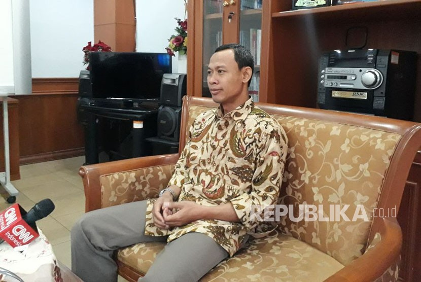 Komisioner KPU, Pramono Ubaid Tanthowi di Gedung KPU Pusat, Rabu (25/10).