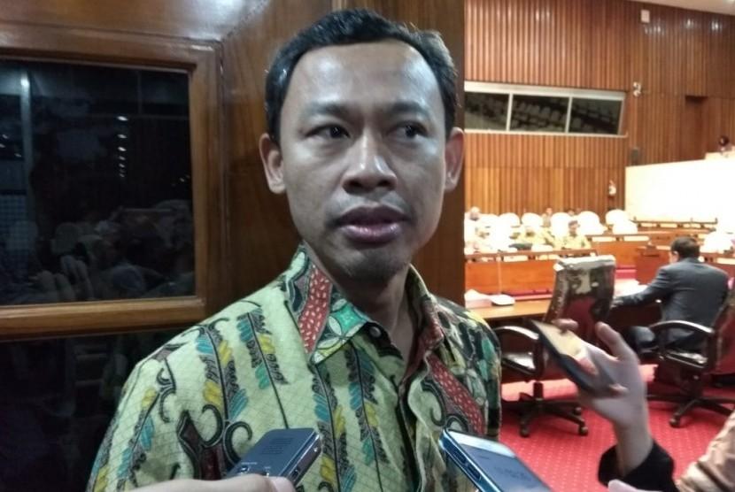Komisioner KPU, Pramono Ubaid Tanthowi