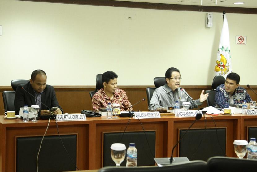 Komite I Dewan Perwakilan Daerah Republik Indonesia (DPD RI) menggelar Rapat Dengar Pendapat Umum (RDPU) dengan sejumlah pakar tata kota dan perencanaan pembangunan dengan agenda membahas rencana pemindahaan Ibu Kota Negara (IKN) baru ke Kalimantan Timur pada hari ini, Senin (20/1) di Kompleks Parlemen, Jakarta.