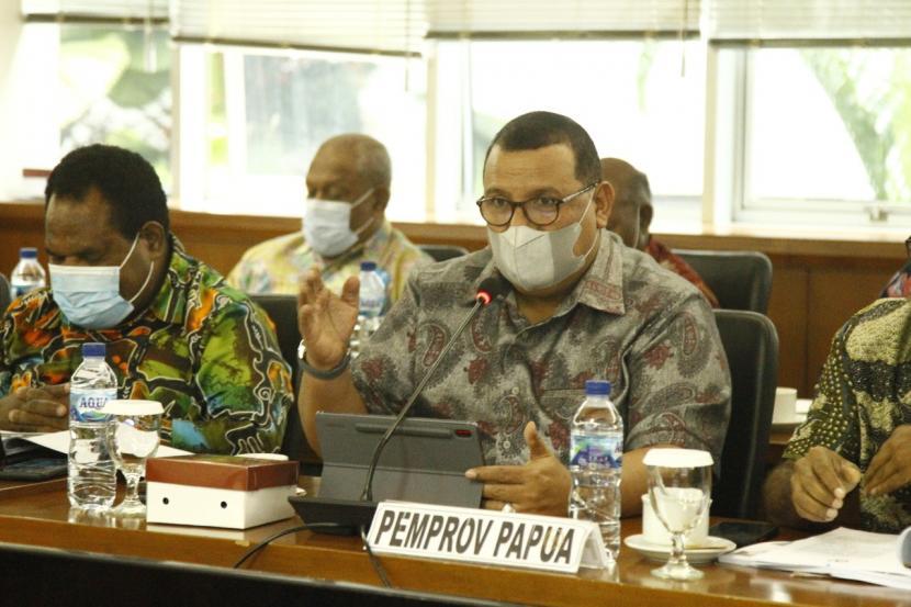 Komite I DPD RI menggelar audiensi secara fisik yang dipimpin langsung oleh Wakil Ketua I Komite I DPD RI Filep Wamafma yang juga sebagai Ketua Pansus Papua DPD.