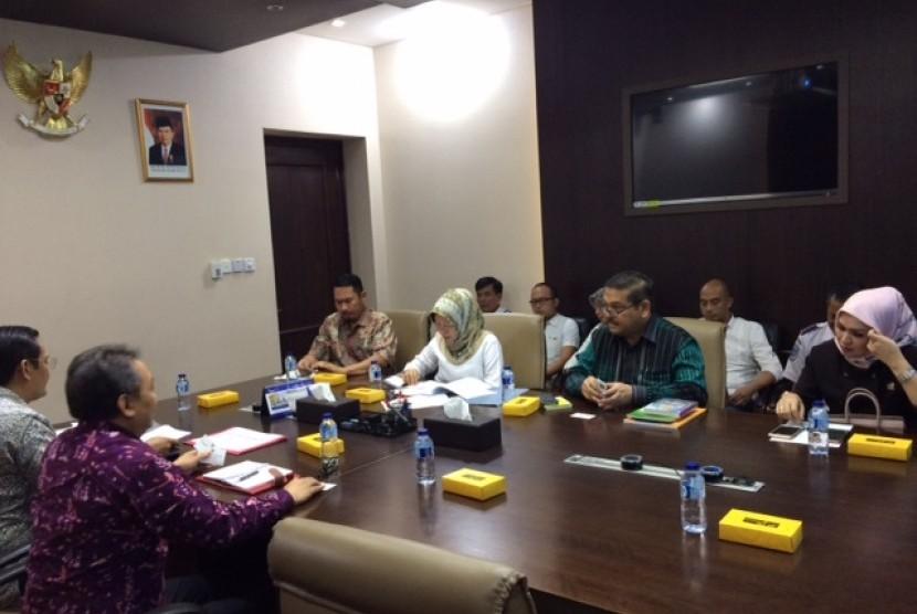 Komite II DPD RI mengunjungi Bappenas untuk menanyakan rencana pembangunan bandara di Kayong Utara, Kalimanatan Barat.