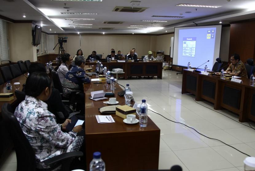 Komite II DPD RI menyusun Rancangan Perubahan Undang-Undang (RUU) Pelayaran.