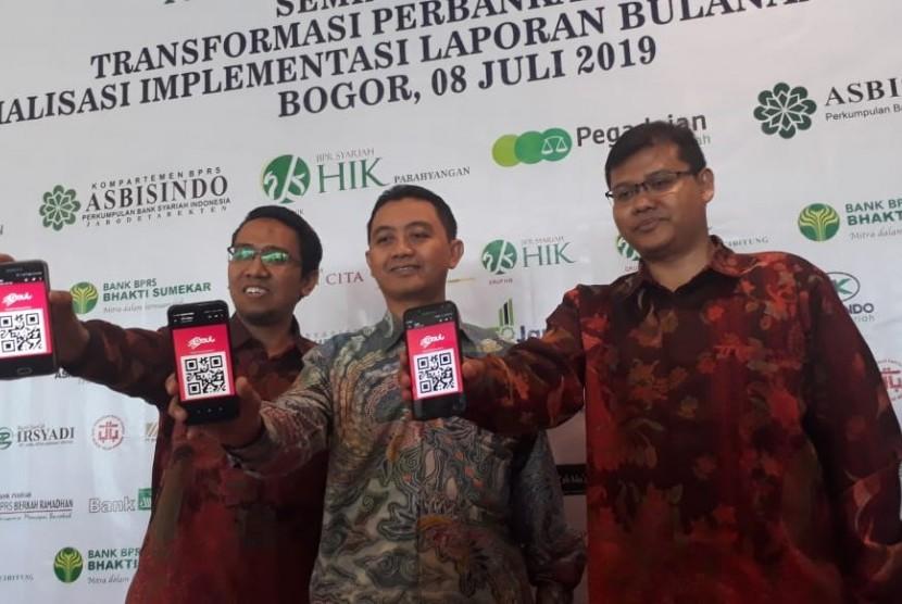 Kompartemen Bank Perkreditan Rakyat Syariah (BPRS) Asosiasi Bank Syariah Indonesia (Asbisindo) meluncurkan Tabungan Gaul iB untuk meningkatkan literasi masyarakat dan dana murah, Senin (8/7) di IPB International Convention Center, Bogor, Jawa Barat.
