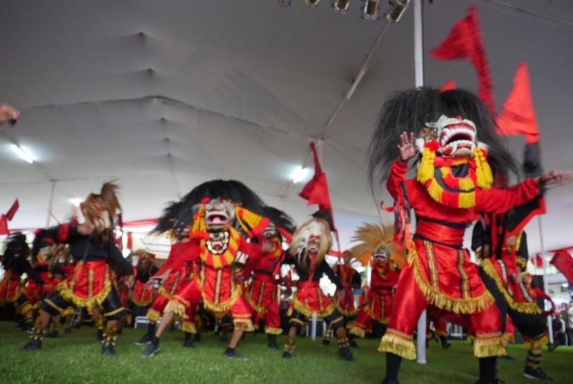 Komunitas tari membuka acara di Kampus Isi Surakarta (Ilustrasi)