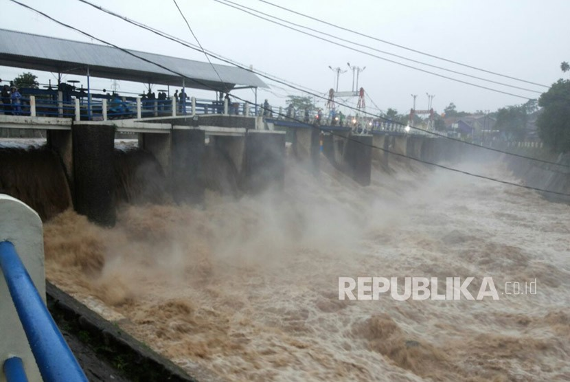 Bendung Katulampa, Bogor (ilustrasi)