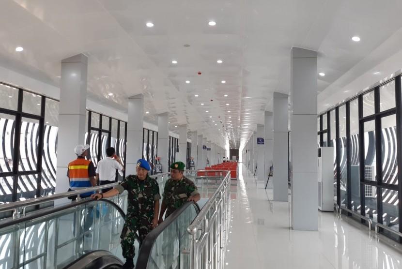 Kondisi ruang tunggu KA Bandara di Stasiun Solo Balapan yang diresmikan PT KAI pada Kamis (29/8).