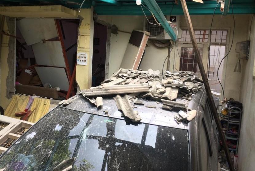 Kondisi rumah rusah akibat ledakan tabung gas di perumahan Nusa Loka, Blok R4, Kelurahan Rawa Mekar Jaya, Kecamatan Serpong, Kota Tangerang Selatan (Tangsel), Rabu (23/1).