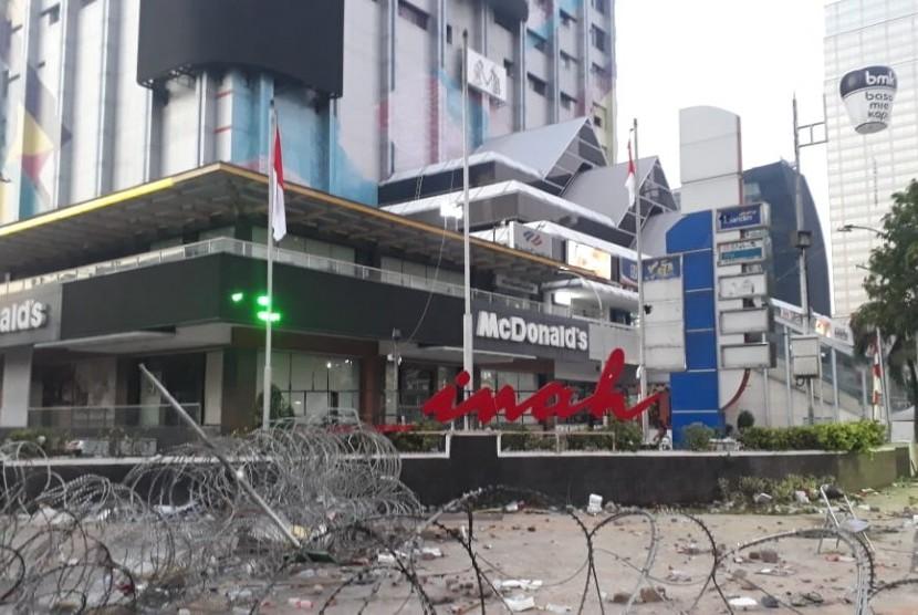 Kondisi terkini di sekitar kantor Badan Pengawas Pemilu (Bawaslu) RI, Thamrin, Jakarta Pusat, Kamis (23/5) pagi.