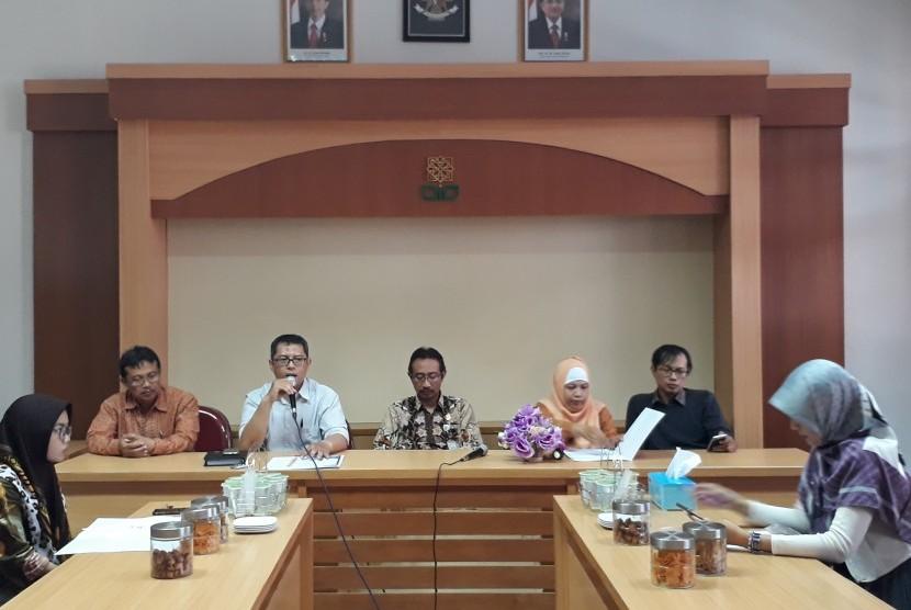 Konferensi pers Annual International Conference on Social Science and Humanities (Aicosh) di Fakultas Ilmu Sosial dan Humaniora UIN Sunan Kalijaga.