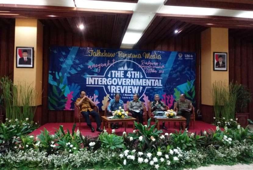 Konferensi pers pelaksanaan The Fourth Intergovernmental Review on Global Programme of Action for the Protection of the Marine Environment from Landbased Activites (IGR-4 GPA) di Gedung Kementerian Lingkungan Hidup dan Kehutanan, Jakarta,  Senin (8/10. Pertemuan internasional ini akan diadakan di Bali, Rabu (31/10) dan Kamis (1/11).