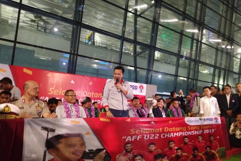Konferensi pers Timnas Sepak bola Indonesia U-22 di Bandara Soekarno-Hatta, Rabu (27/2).