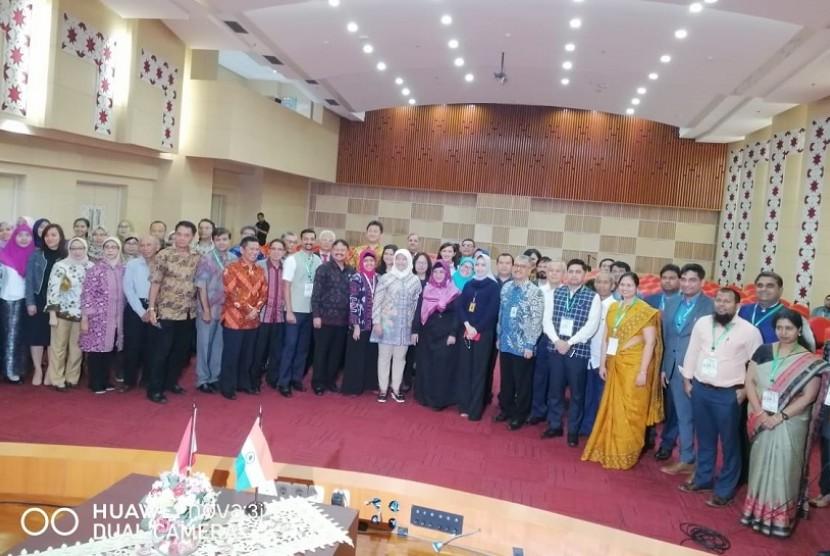 Konsorsium Perguruan Tinggi (PT) Swasta yang beranggotakan PT di Jakarta membentuk jaringan kerja sama Indonesia-India di bawah koordinasi Lembaga Layanan Pendidikan Tinggi (LL Dikti).