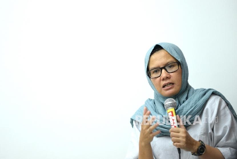 Koordinator KontraS Yati Andriyani memberikan keterangan pers di Kantor KontraS, Jakarta, Selasa (9/5).