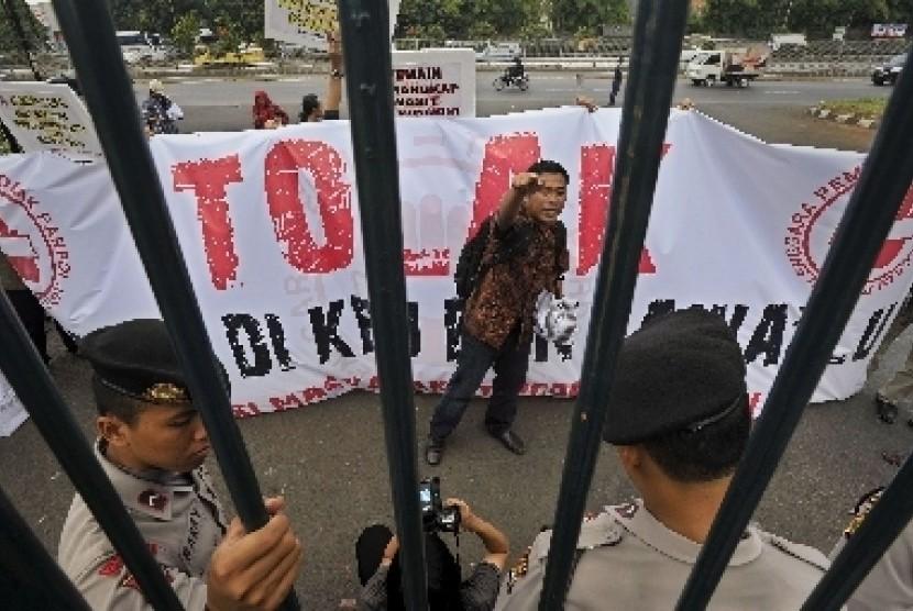 Aksi unjuk rasa menentang partai politik. (Ilustrasi)