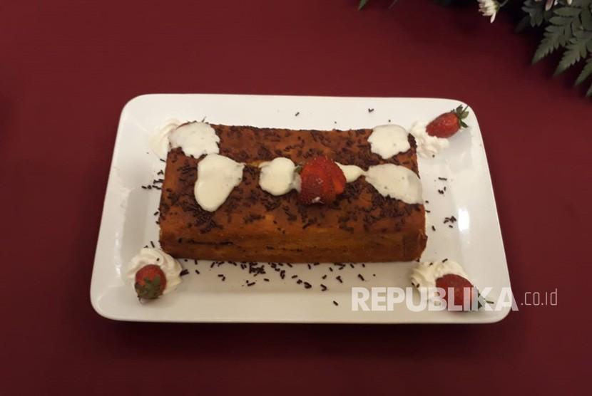 Kue Tape Vanilla Coklat yang merupakan kreasi dari tape singkong ala Chef Juna.