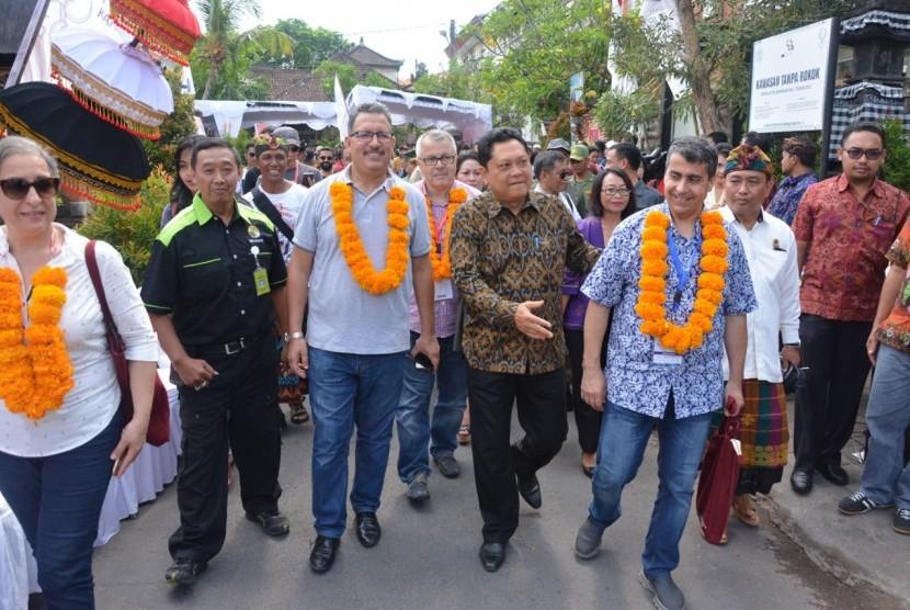 Kunjungan delegasi IMF-World Bank di Denpasar, Selasa (16/10).