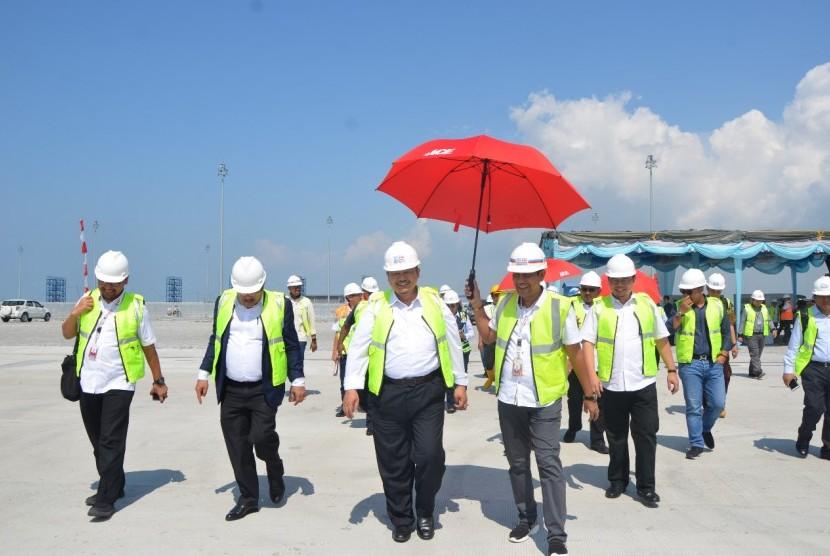 Kunjungan kerja Komisi V DPR ke Pelabuhan Belawan untuk meninjau secara langsung kondisi fasilitas sarana dan prasarana di Pelabuhan Belawan, Kamis (11/7/2019).