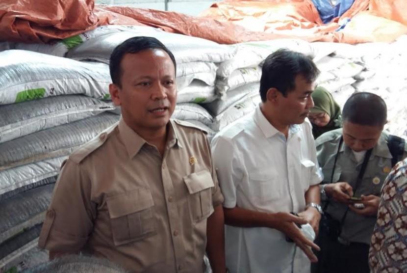 Kunjungan kerja Komisi VI kepada produsen pupuk di Aceh.