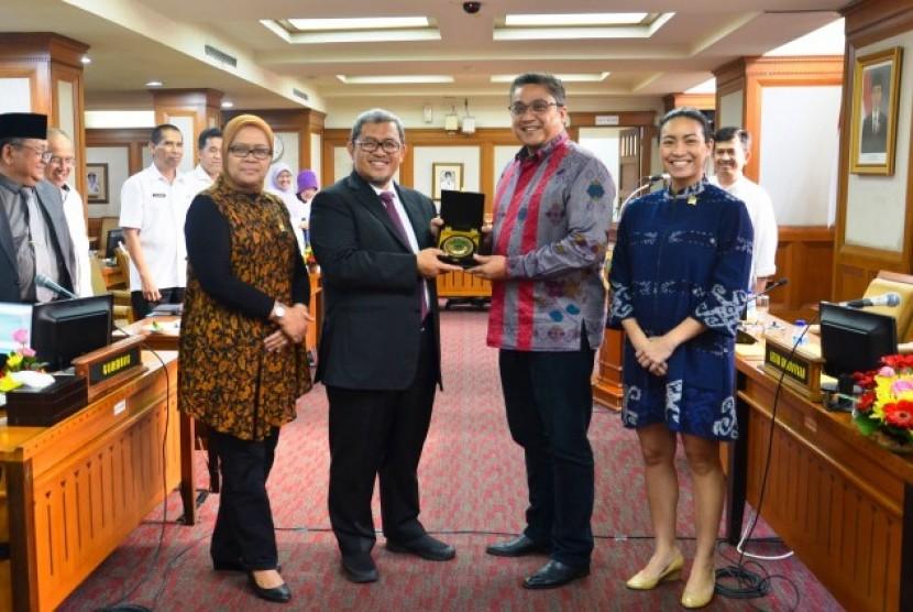Kunjungan Timwas TKI DPR RI kunjungan ke Jawa Barat.