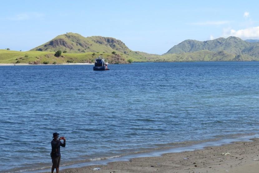 Labuan Bajo memiliki destinasi yang menarik bagi wisatawan. Pemda Manggarai Barat pun fokus menggarap sektor pariwisata untuk mengembangkan ekonomi daerah.