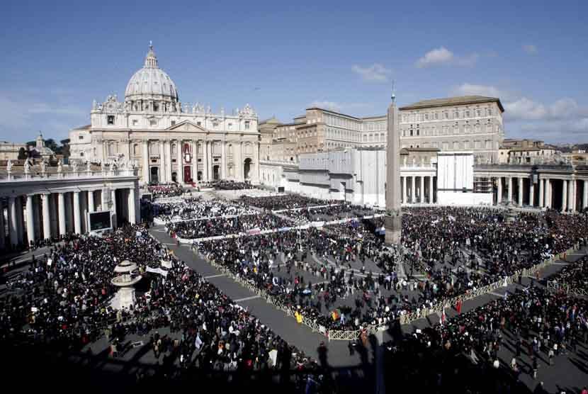 Lapangan St Peter di Vatikan.