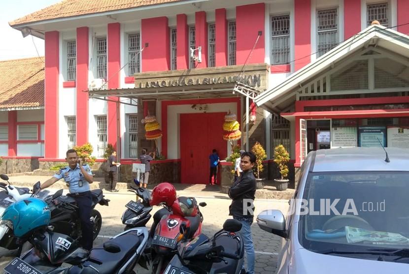 Lapas Sukamiskin, Arcamanik, Bandung.