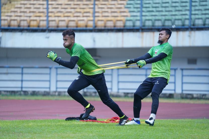 Latihan Persib Bandung di Stadion Gelora Bandung Lautan Api, Kota Bandung, Selasa (14/9).