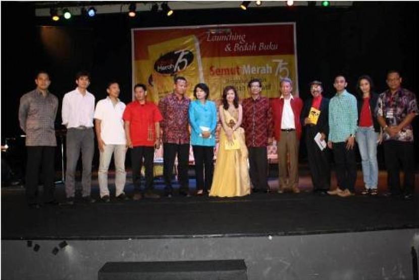 Launching Buku Semut Merah 75.