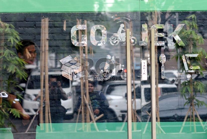 Layanan aplikasi kendaraan berbasis daring Gojek memiliki sejumlah layanan lain, misalnya Gocar hingga Golife.