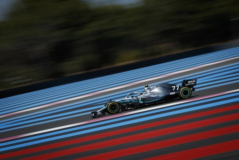 Lewis Hamilton pada sesi latihan bebas GP Prancis, Jumat (21/6).