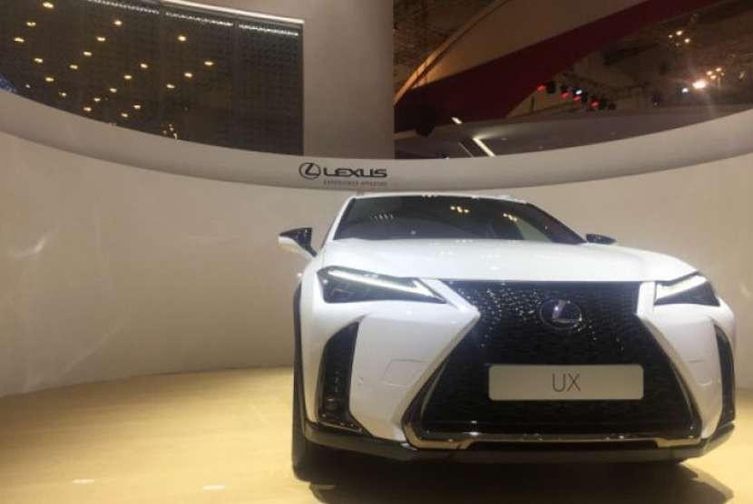 Lexus UX.