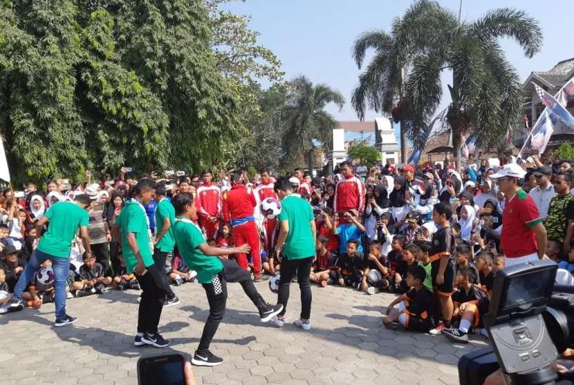 Lima penggawa Timnas U16, mendapat sambutan meriah dari warga Kabupaten Purwakarta, Rabu (15/8).