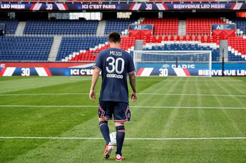 Lionel Messi Gunakan Kostum Nomor 30 di PSG | Republika Online