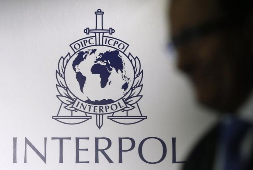 Logo Interpol.