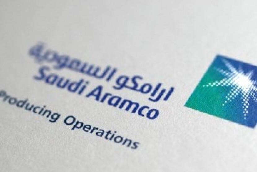 Logo perusahaan minyak Saudi Aramco.