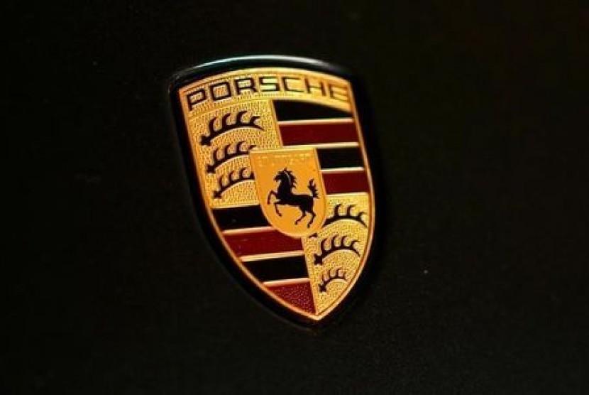 Porsche akan buat baterai berkinerja tinggi dengan waktu pengisian lebih cepat.
