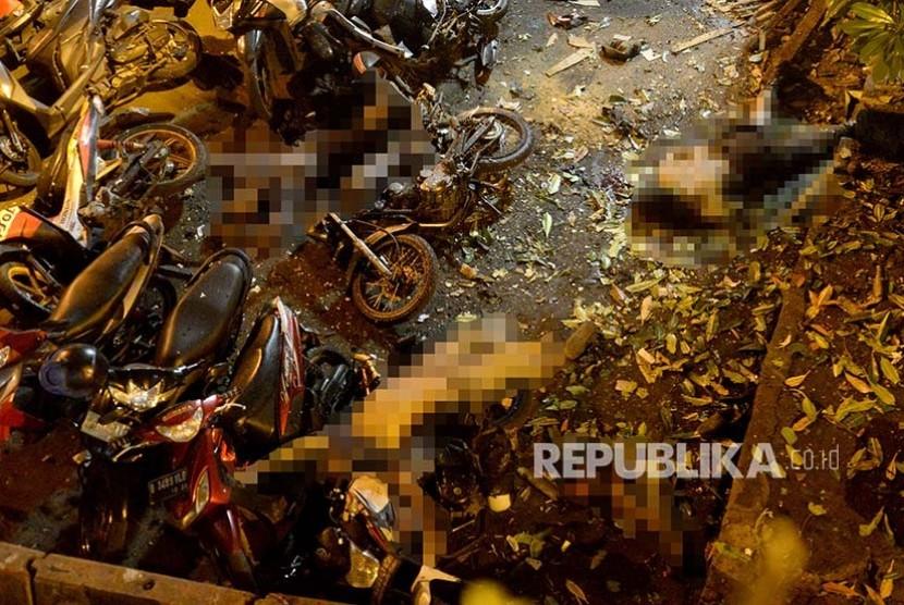 Lokasi ledakan bom di Kampung Melayu, Jakarta, Kamis (25/5) malam.