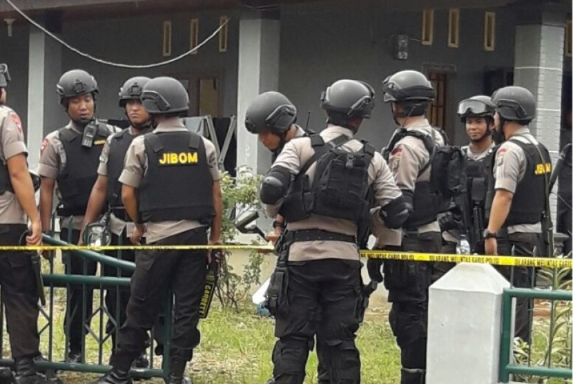 Lokasi penangkapan DPO terorisme di Jl Deli Tua dusun 3, desa Aji Baho, Biru-Biru, Deli Serdang, Sumut. Tersangka berinisial S diringkus tim Densus 88 dan Polda Sumut, Rabu (21/12) sekitar pukul 12.00 WIB.