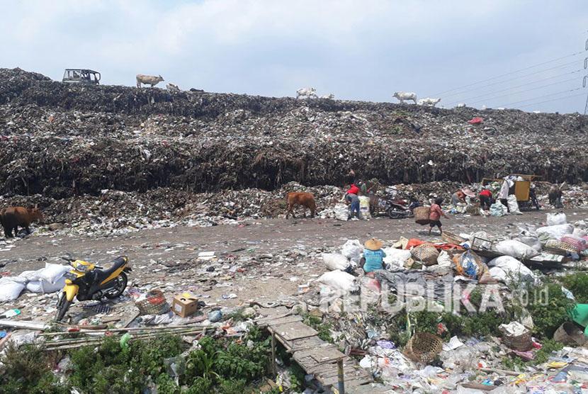 Lokasi Tempat Pembuangan Akhir (TPA) Putri Cempo yang rencananya akan dibangun Pembangkit Listrik Tenaga Sampah