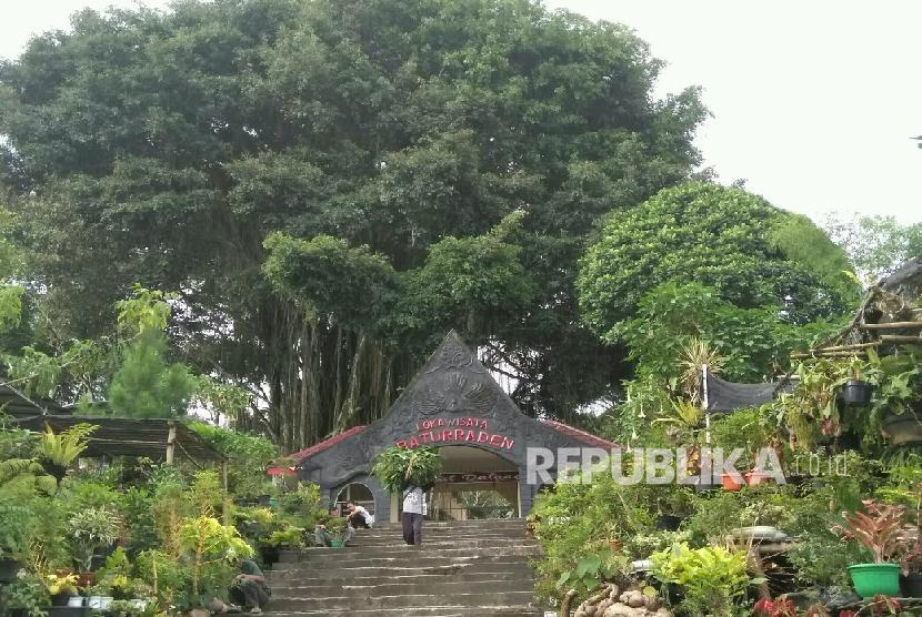Lokawisata Baturraden di Banyumas, Jawa Tengah.