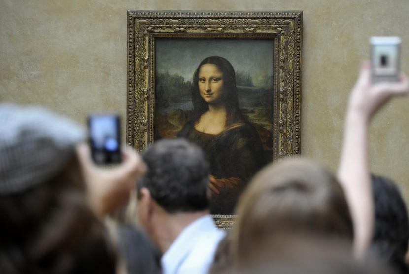 Seorang kolektor Eropa membeli lukisan tiruan Mona Lisa dari Leonardo da Vinci yang dibuat pada abad ke-17 dengan harga 2,9 juta euro.