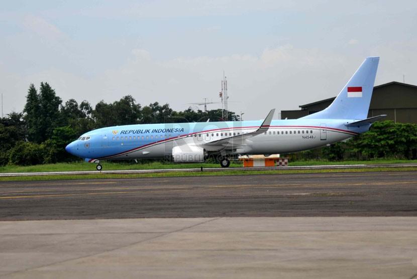 Pesawat Kepresidenan jenis Boeing Business Jet (BBJ)-2 saat tiba di Bandara Halim Perdanakusumah, Jakarta, Kamis (10/4).  (Republika/Wihdan)