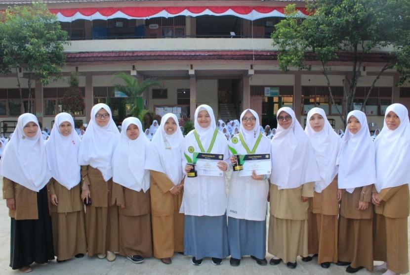 Madrasah Aliyah Swasta (MAS) Ar Risalah Padang berhasil meloloskan empat siswanya untuk mengikuti  Kompetisi Sains Madrasah (KSM) tingkat Nasional.