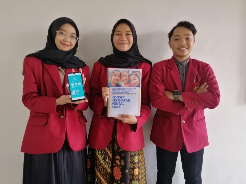 Mahasiswa Fakultas Kesehatan (Fikes) Universitas Muhammadiyah Malang (UMM) meraih predikat runner-up dua pada Pekan Ilmiah Keperawatan Nasional (Pilketannas) 2021 cabang Karya Tulis Ilmiah (KTI).