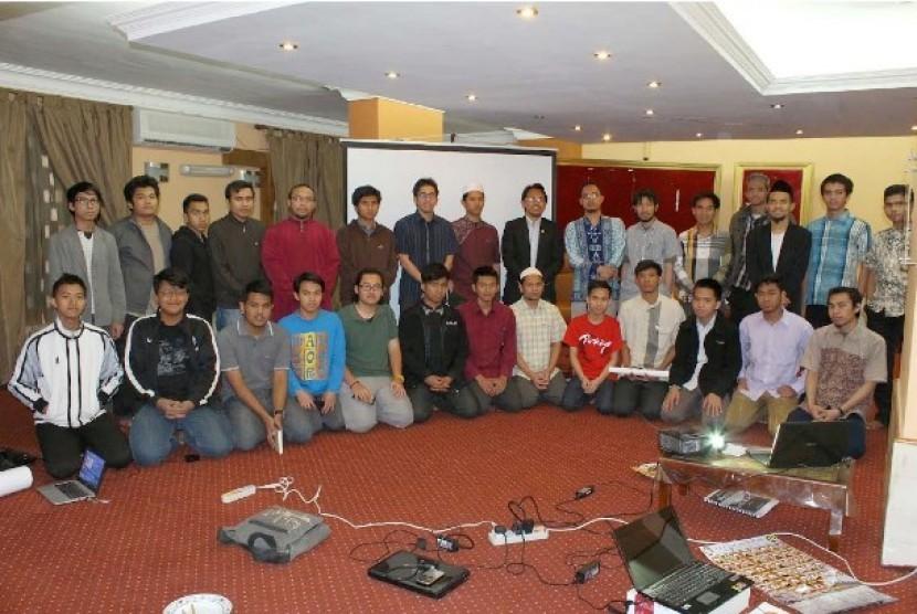 mahasiswa indonesia di mesir mengikuti pelatihan google adsense yang digelar ppmi mesir di kairo