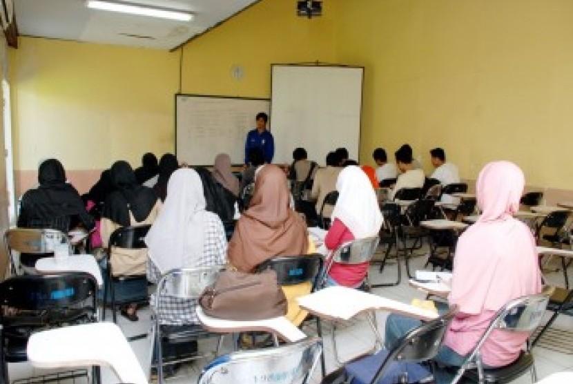 Mahasiswa kuliah/Ilustrasi